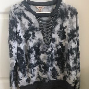 Arizona Jeans lace up long sleeved tee